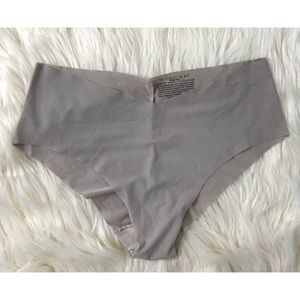 VS NO SHOW seamless panties